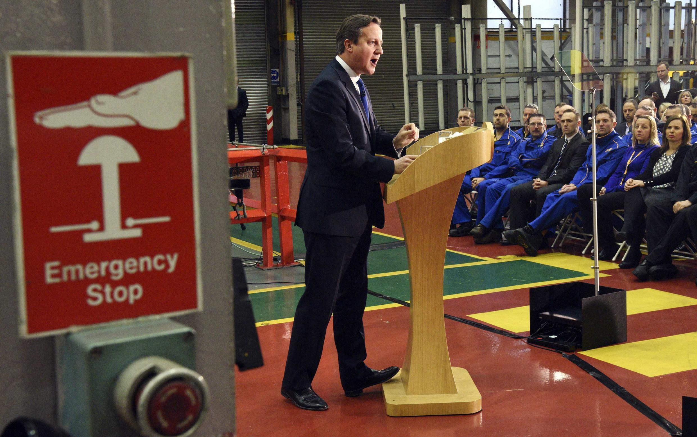 O primeiro-ministro David Cameron discursou em uma fábrica na localidade de Rocester.