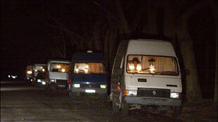 Camionettes de prostituées dans le bois de Vincennes.