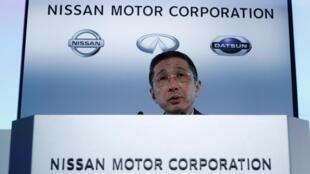 Le directeur général de Nissan, Hiroto Saikawa, lors de sa conférence de presse, ce mardi 14 mai à Yokohama.