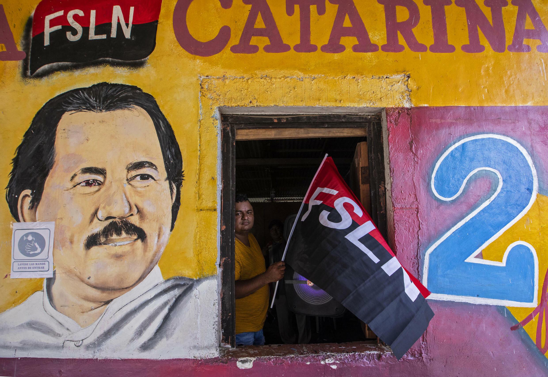 À cinq mois de l'élection présidentielle du 7 novembre, Daniel Ortega, qui occupe le fauteuil depuis 14 ans, semble vouloir empêcher les candidatures des principaux opposants.
