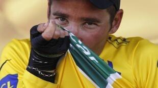 Après son Tour de France 2004, Thomas Voeckler retrouve le maillot jaune, le 10 juillet 2011.