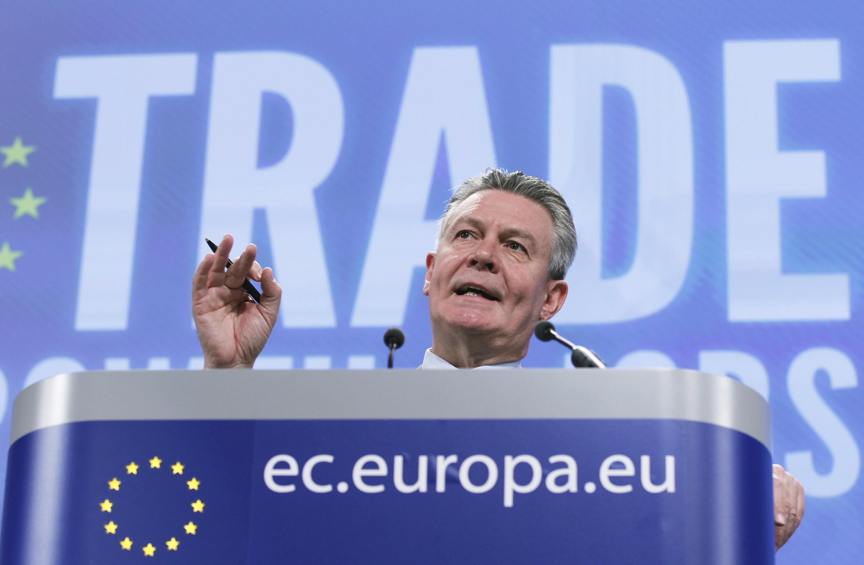 O comissário europeu do Comércio,  Karel De Gucht .