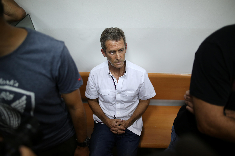 Beny Steinmetz lors de sa comparution devant un tribunal israélien dans le cadre d'une enquête sur le blanchiment d'argent, le 14 août 2017.