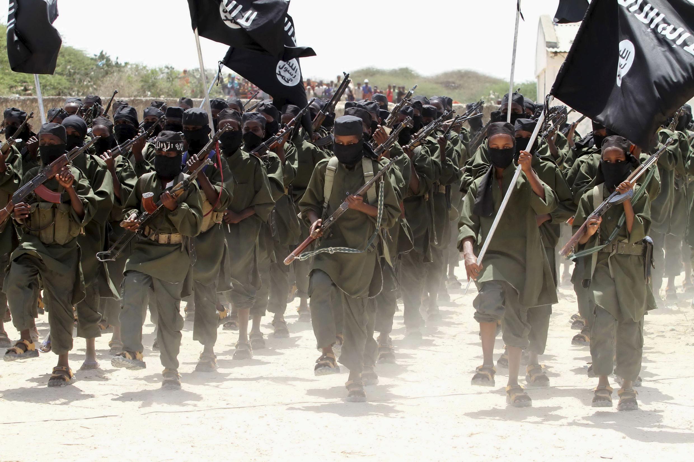 Un défilé des militants islamistes shebabs, à Afgoye, à l'ouest de la capitale somalienne (photo d'archives).
