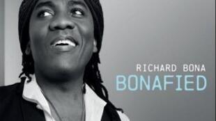 La couverture de l'album de Richard Bona, Bonafied.