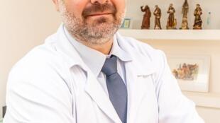 Pedro Antonio Pierro Neto, neurocirurgião funcional à frente do portal de notícias Sechat.