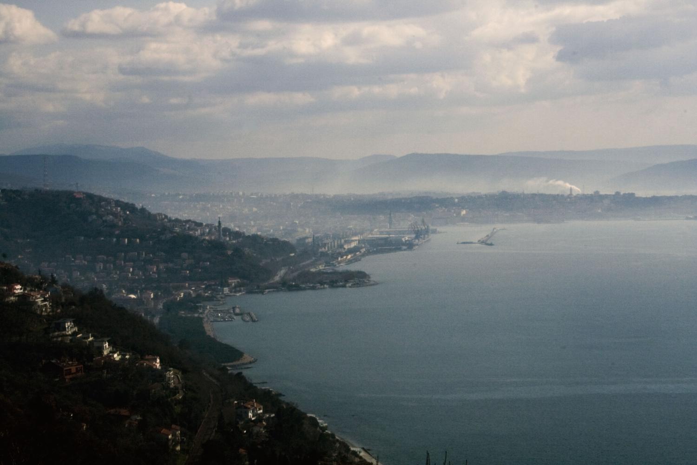 Trieste accueille le sommet sur les Balkans occidentaux en présence de la chancelière allemande Angela Merkel, du président français Emmanuel Macron et du Premier ministre italien Paolo Gentiloni.