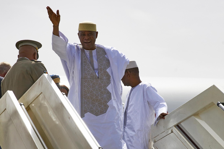 L'ancien président Amadou Toumani Touré lors de son retour au Mali après son exil au Sénégal, le 24 décembre 2017.