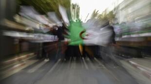 Массовые акции протеста в Алжире проходят с середины февраля