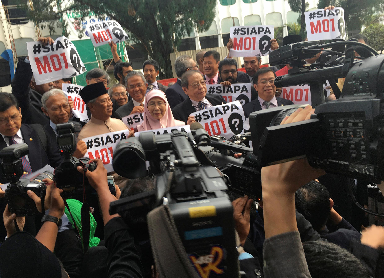 Biểu tình phe đối lập chống đối luật ngân sách của thủ tương Najib cho năm 2017. Ảnh 21/10/2016.