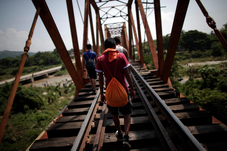 Des migrants près d'Arriaga, au Mexique, le 26 octobre 2018.