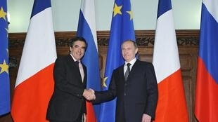 French and Russian PMs in Moscow