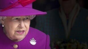 Elisabeth II, reine d'Angleterre, ici à Pluymouth en mars 2015.