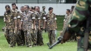 دادگاهی در بنگلادش، ١۵٠ سرباز ارتش این کشور را به جرم شرکت در شورش سال ٢٠٠٩ در این کشور به اعدام محکوم کرد.