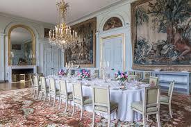 首屆六國集團峰會(G6峰會)曾在巴黎近郊的朗布耶城堡舉行