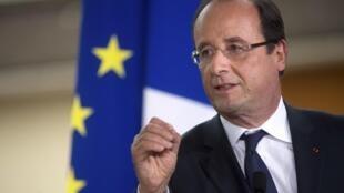 François Hollande lembra que Atenas deve cumprir seus engajamentos que quiser continuar na zona do euro.