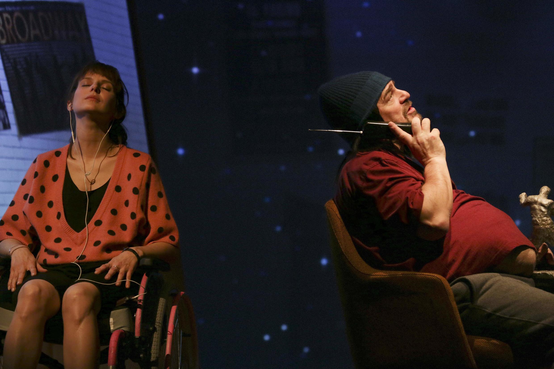 Les comédiens Elodie Navarre et Thierry Godard dans la pièce «Encore une histoire d'amour».