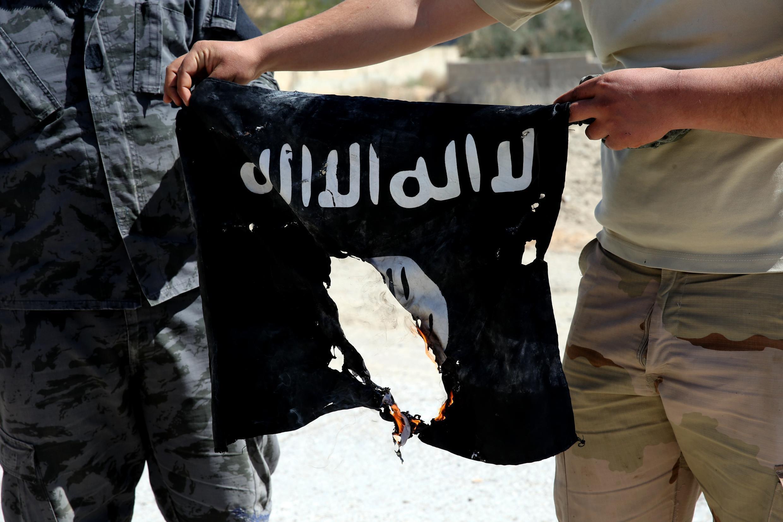 O novo líder do auto-proclamado grupo do Estado Islâmico ameaça Estados Unidos de sofrer represálias.