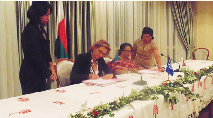 Signature de l'accord de siège entre l'Organisation Internationale pour les Migrations (OIM) et le Gouvernement malgache, le 16 octobre 2014