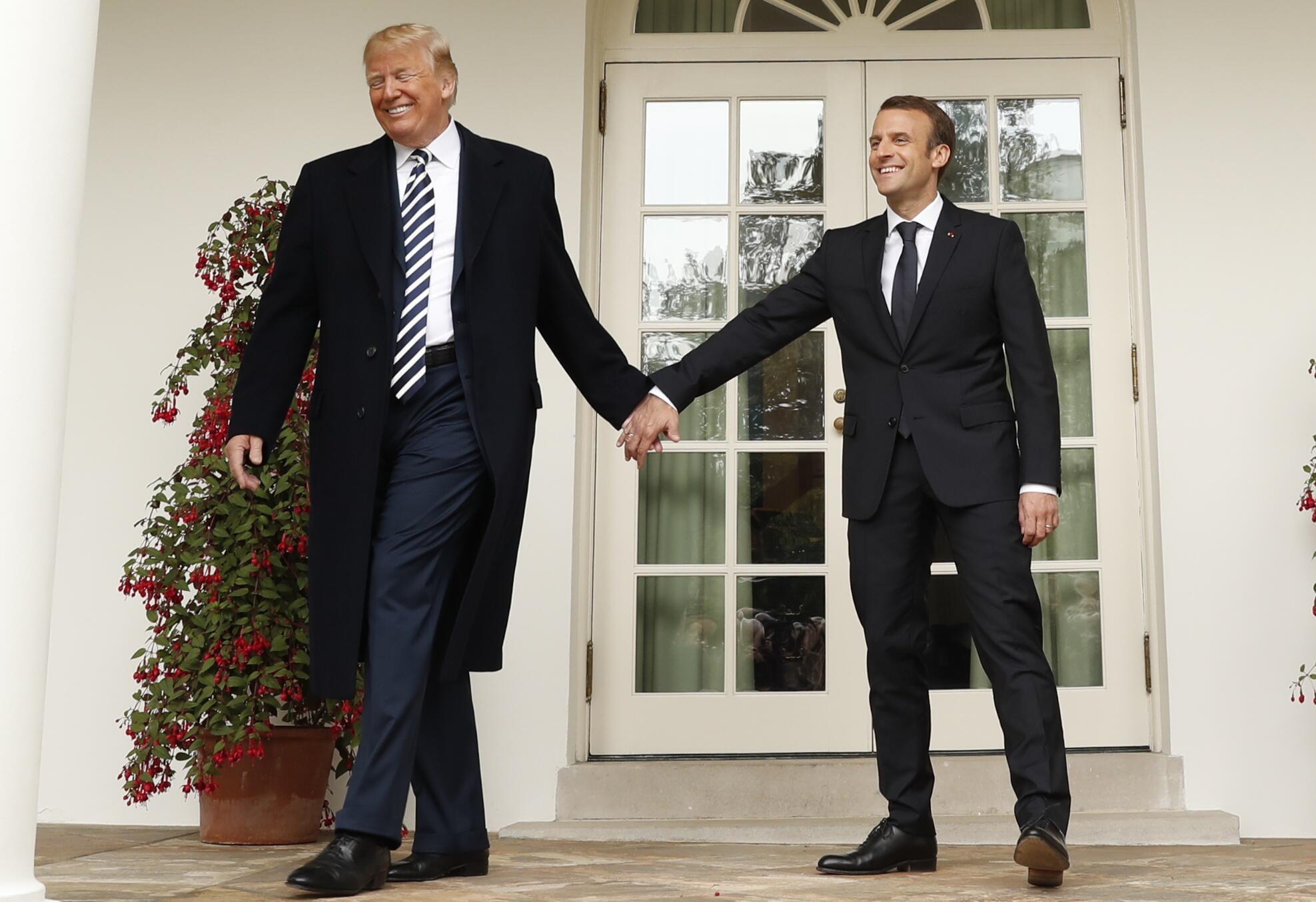 Сегодня Трамп и Макрон уже не демонстрируют взаимной сердечности. На фото: встреча в Белом доме, 26 апреля 2018
