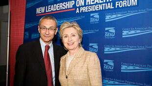 John Podesta, directeur de campagne d'Hillary Clinton, a vu certains de ses emails révélés par Wikileaks.
