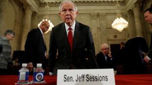 Джефф Сешнс во время слушаний в Сенате США, 10 января 2017.