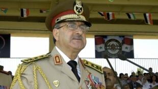 O ministro sírio da Defesa, general Daoud Rajha, morto no atentado de quarta-feira 18 de julho, em Damasco.