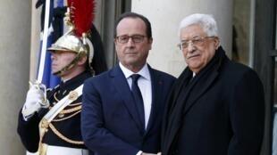 Le président palestinien Mahmoud Abbas et François Hollande à l'Elysée.