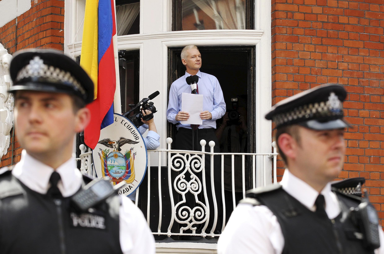 維基解密創始人阿桑奇受歐盟通緝令追捕在厄瓜多爾駐英國倫敦使館避難