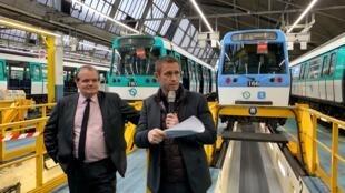 Presentación del nuevo tren de la línea 7, el primero en lucir el color azul.