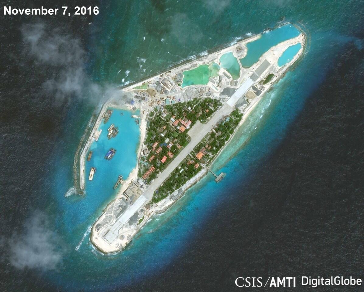Đảo Trường Sa lớn, quần đảo Trường Sa, Biển Đông. (Ảnh vệ tinh chụp ngày 07/11/1016 - nguồn CSIS/AMTI)
