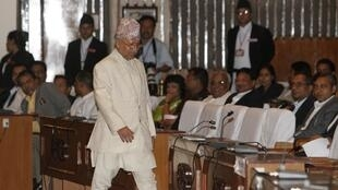 Prime Minister Madhav Kumar Nepal arrives at the Constituent Assembly hall in Kathmandu