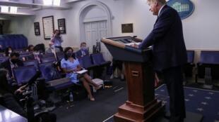 بعد از مدتی وقفه، دونالد ترامپ نشست های خبری در باره وضعیت اپیدمی را از سر گرفت