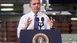 Obama hace campaña para evitar el 'precipicio fiscal' en Hatfield, Pensilvania, el 30 de noviembre de 2012.