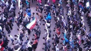 Wasu masu zanga-zangar adawa da gwamnatin Assad sun yi da'ira a kasar Syria