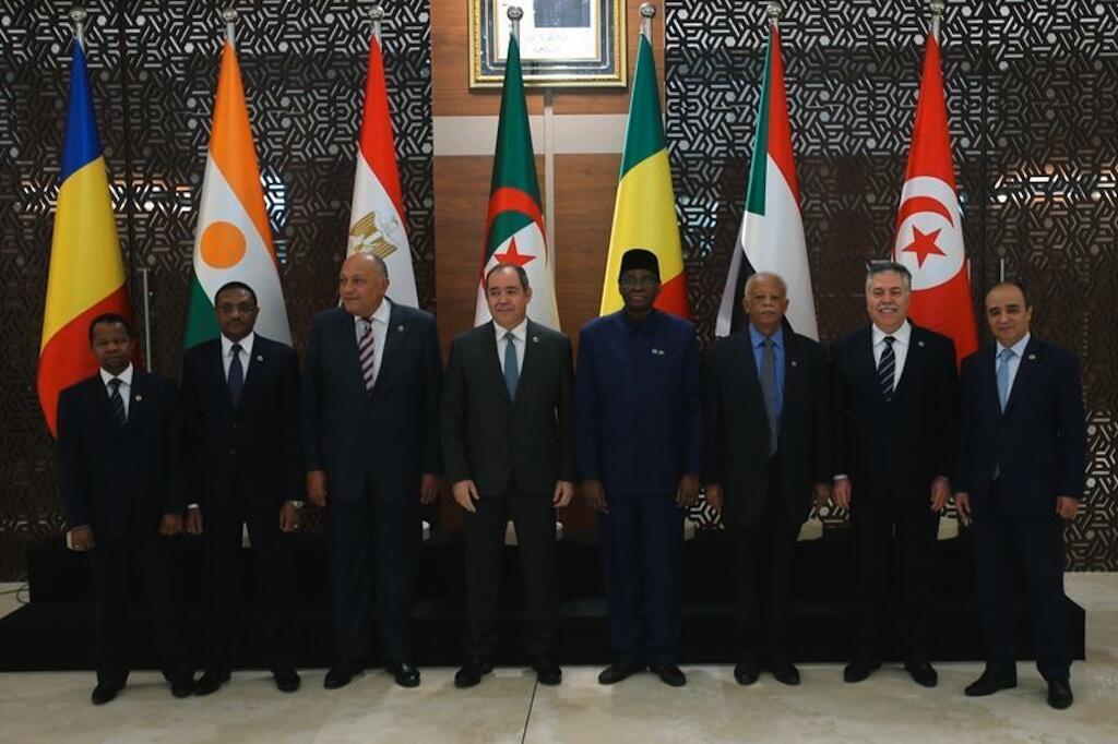 Mawari kutoka chi za Misri, Tunisia, Sudan, Chad, Mali na Niger katika mkutano Algiers kuhusu kuimarisha makubaliano ya kusitisha mapigano Libya;