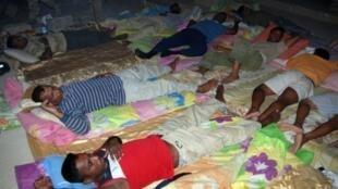 Dans le sud de l'Irak, à Amara, une trentaine d'ouvriers sri-lankais poursuivent une grève de la faim pour réclamer deux années de salaire.