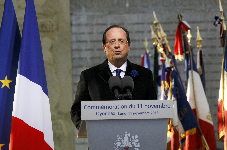 Le président français François Hollande, lors de son discours à Oyonnax, dans le sud-est de la France, le 11 novembre 2013.