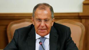 Le ministre russe des Affaires étrangères Sergueï Lavrov assiste à une réunion avec son homologue du Mozambique Jose Pacheco à Moscou, en Russie, le 28 mai 2018.