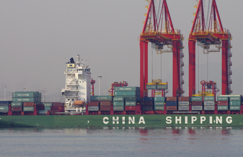 Các container hàng xuất khẩu tại Sơn Đông, Trung Quốc, 06/12/2015.