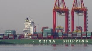 Các container hàng xuất khẩu tại Sơn Đông, Trung Quốc. Ảnh tư liệu chụp ngày 06/12/2015.