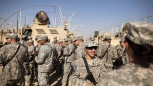最後一批離開伊拉克的美軍2011年12月18日越過伊拉克邊境來到科威特。