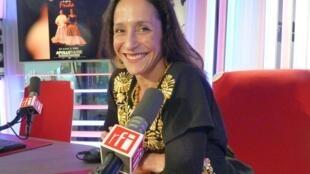 Djolanda Preciado en los estudios de RFI