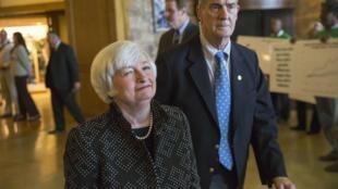 Janet Yellen (izquierda), presidenta de la Reserva Federal, a su llegada a la reunión sobre políticas económicas en Jackson Hole, el 21 de agosto de 2014.