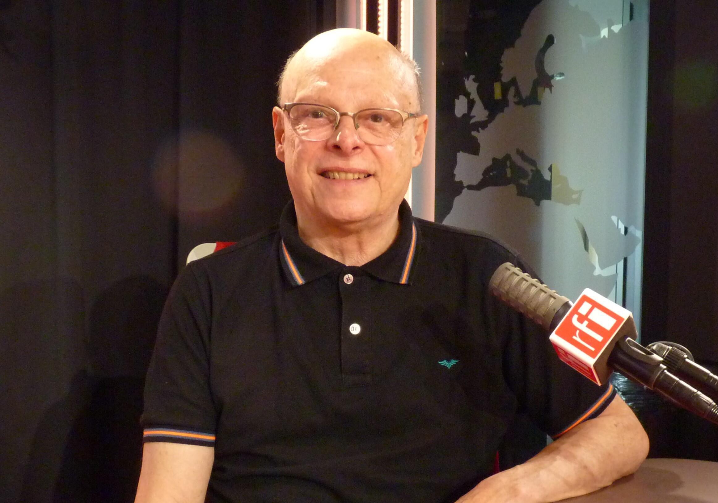 El artista colombiano Jaime Gómez en RFI