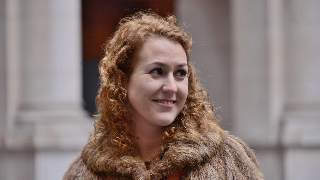 西班牙女性阿依達。
