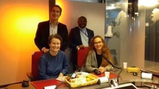 A table avec Caroline Paré, Juan Gomez et Alain Foka.