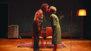 Emmanuelle Grangé et Thierry Bosc dans «Les Chaises» de Ionesco, mise en scène par Bernard Lévy au Théâtre de l'Aquarium, Cartoucherie.