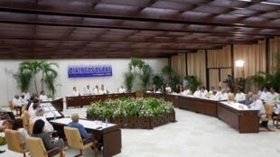 Acordo de paz assinado na Havana pode pôr fim a 60 anos de conflito.