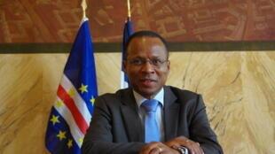 Ulisses Correia e Silva, prilmeiro-ministro da Cabo Verde, anuncia retoma a 15 de Julho das ligações aéreas e marítimas inter-ilhas.
